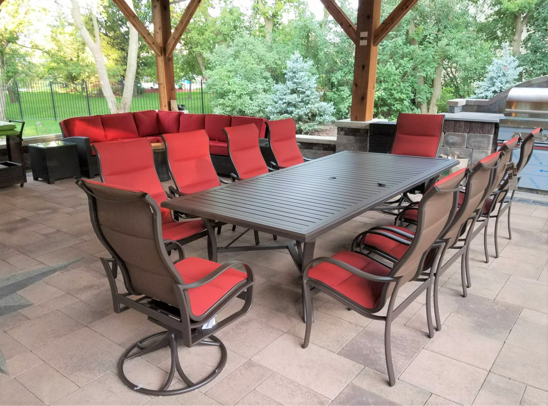 delivery installation of tropitone chicago wicker patio furniture in riverwoods il - Tropitone Patio Furniture