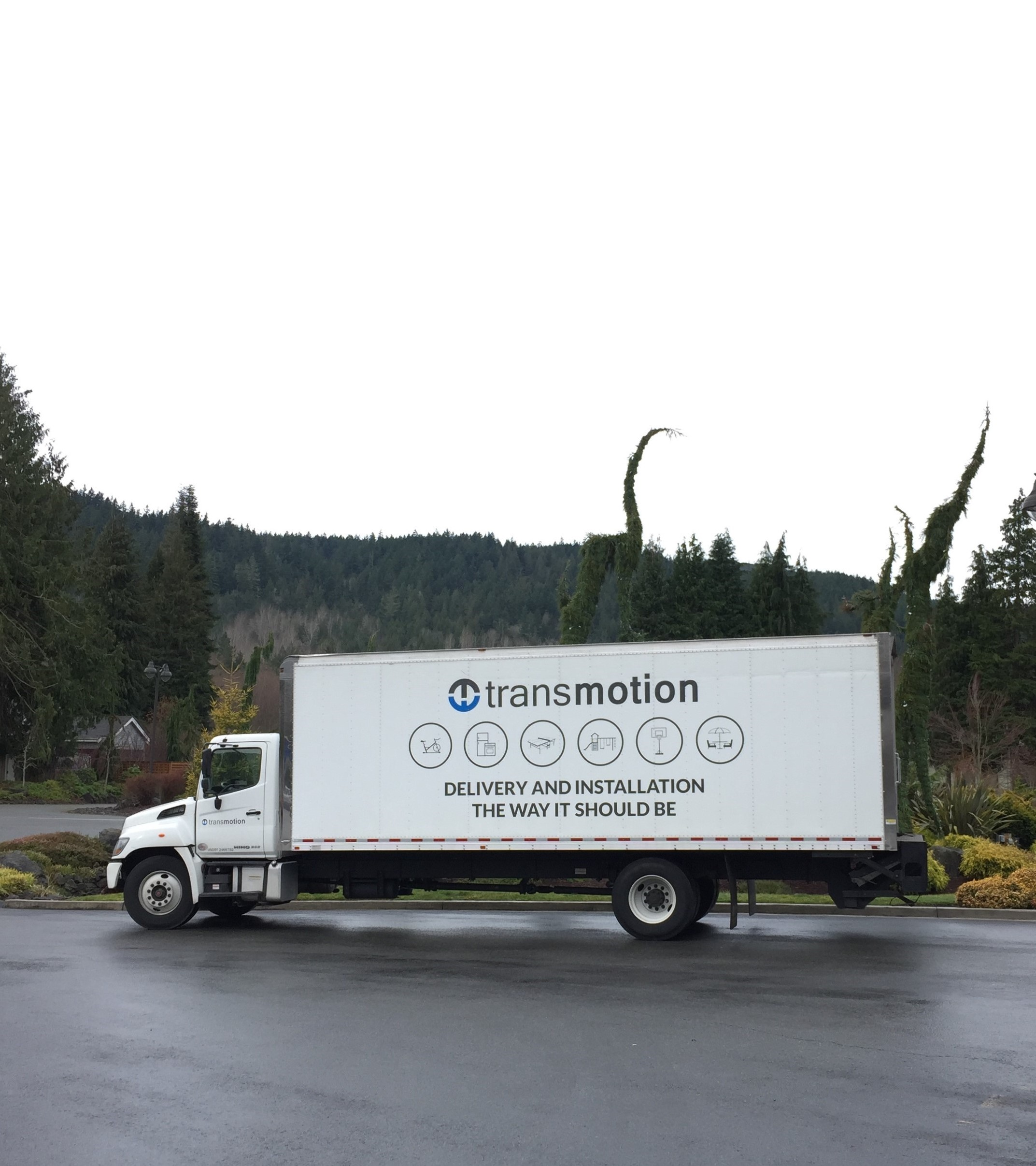 Transmotion Delivery Assembly Installation Relocation Extraction Removal Chicago IL Michigan Indiana Washington California Local Near me Downers Grove Illinois La-Z-Boy Port Ludlow Washington Amy Premier Loveseat and Amy Premier Sofa