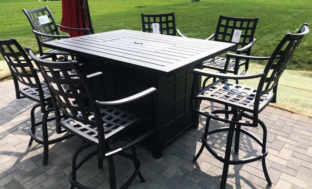 Transmotion Delivered And Installed A Hanamint Patio Furniture Set Of 6 Stratford Collection Swivel Counter Height Bar Stools Swood